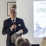 Egy angol regényből lophatott A Zsolnay-kód írója, Tolvaly Ferenc