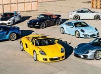 1,2 milliárd forint volt csomagban hat Porsche erről a képről