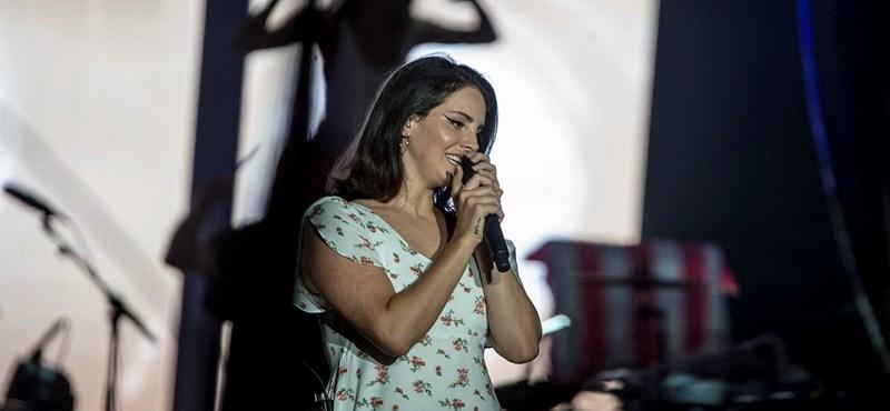 Mit keresett a nagyszínpadon Lana Del Rey?