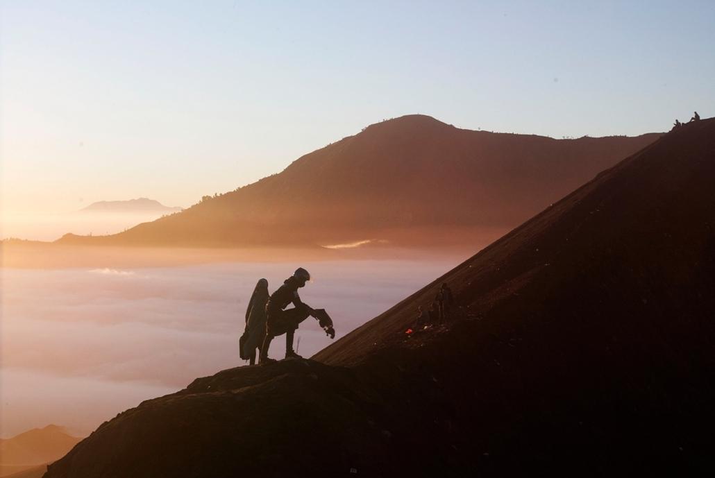afp.14.08.12. - Mount Bromo, Indonézia: Tengger törzs - kép ID: TS-HKG10088308 - 7képei