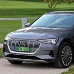Kínos: olajcserére figyelmeztet az Audi villanyautója