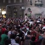 Videó: Semmi, csak a szokásos örömhömpöly a körúton