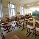 Az egyetemek és gimnáziumok is online oktatásra térnek át