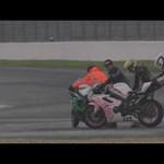 Videó: vicces és furcsa motorbaleset, táncoló motorok