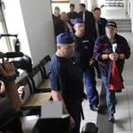 Figyelő: Lagzi Lajcsi lakóparkjának 14 lakásában lophatták a gázt