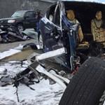 Kettészakadt a balesetben a Tesla Model X, meghalt a sofőr