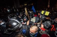Pintér szerint nem voltak túlzóan erőszakosak a rendőrök a tüntetőkkel szemben