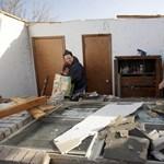 Pusztítás az amerikai tornádók után - Nagyítás-fotógaléria