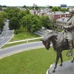 Konok Péter: Mi egy szobordöntés egy szoborállításhoz képest?