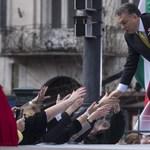 FAZ: Orbán nemrég duzzadt az erőtől, de most elfordulnak tőle