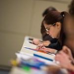 Több mint 64 ezren vizsgáznak ma angolból közép- és emelt szinten