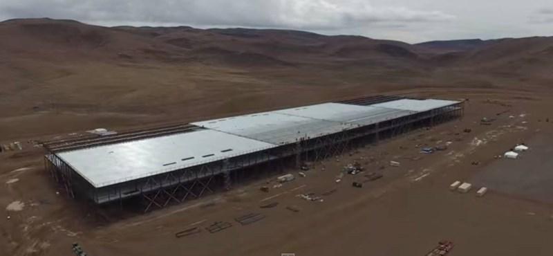 Videó: Gigantikus akkugyárat épít a Tesla Nevadában