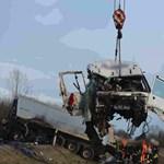 Kiderült, mi okozhatta Berettyóújfalunál a két kamion frontális ütközését