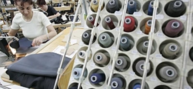 Berágtak a nyilvánosságra a Styl ruhagyár befektetői