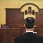 Nincs ítélet a lúgos orvos ügyében, új eljárást rendelt el a Kúria