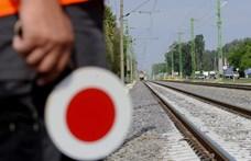 Gázolt a vonat Siófoknál, késések várhatók