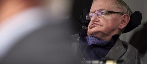 Stephen Hawking bemondta: 100 éve van hátra az emberiségnek (a Földön)