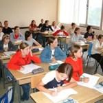 Iskola-összevonásokra készülnek Szolnokon is