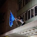 Tüntetés volt éjszaka Budapest belvárosában, tiltakoztak a lex CEU ellen