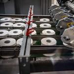 Vécépapír több százezer évre - a nyergesújfalui papírgyárban jártunk