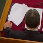 Orbán kiigazítása három részből állna