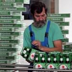 """Már megint """"magyarsághoz kapcsolódó személyiségi jogot sért"""" a Heineken vörös csillaga, perlik a céget"""