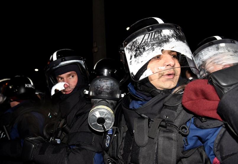 Tüntetés után követeléseiket olvasnák be a köztévében ellenzéki képviselők