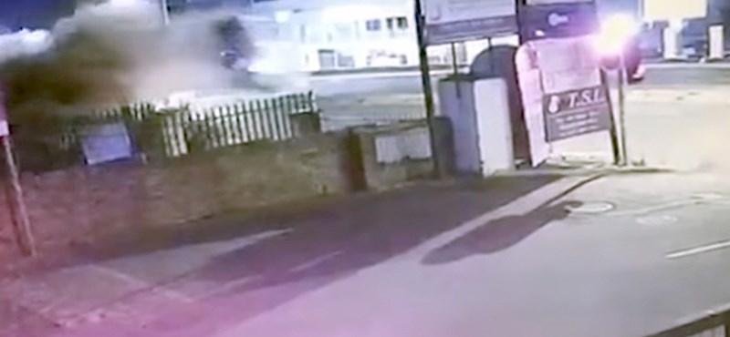 Ez az egyik legelképesztőbb baleset, amit eddig láttunk - videó