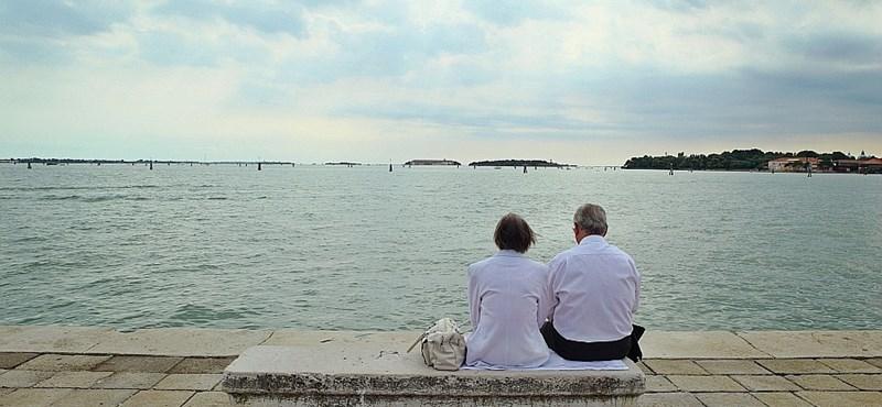 Miért boldogabbak máshol a nyugdíjasok?