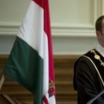 Lemondott a közszolgálati egyetem rektora