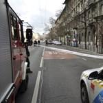 Szélvihar: Megindult egy tűzfal a Bajcsy-Zsilinszky úton – fotó