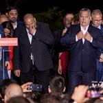 Political Capital a közigazgatási bíróságokról: Orbán küzd, hogy a Néppárt tagja maradhasson