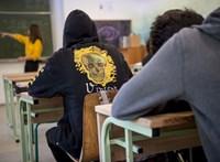Közel háromezer gyerek szülei várnak még a döntésre, engedik-e az iskolakezdés halasztását