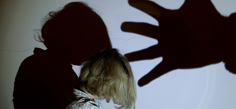 Szülészeti hálapénz és társai – ezek fenyegetik rendszerszinten a magyar nőket