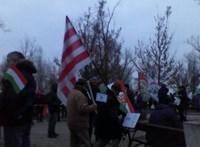 Fáklyás vonulással tiltakoznak Kecskeméten a túlóratörvény ellen