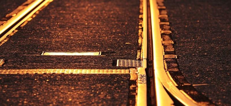 Pótlóbuszra kell átszállni a Budapest-Győr vasútvonalon egy baleset után