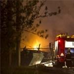 Durva tűz égett hajnalban Zuglóban – fotók