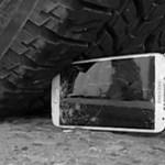 Videó: iPhone 5 vs. Galaxy S4 strapateszt