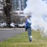 Videó: Próbababákon mutatta be a rendőrség, hogy mi történik, ha óvatlanul rakétázunk