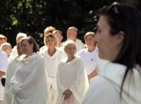 A belügy mossa kezeit az angyalrituálés gyerektábor miatt