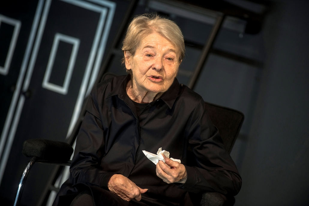 mti.16.03.18. Törőcsik Mari Galileo Galilei szerepében Bertolt Brecht Galilei élete című drámájának fotóspróbáján a Nemzeti Színházban 2016. március 18-án. A színdarabot március 20-án mutatják be Zsótér Sándor rendezésében.    Törőcsik Mari