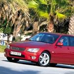 Melyik a legmegbízhatóbb középkategóriás autó 9 év felett?