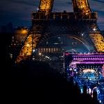 Normális? 160 millió az Eiffel-torony eredeti darabkájáért
