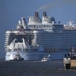 Klímaaktivisták akadályozták meg egy óceánjáró elindulását