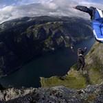 Szabadesésben a sziklától 32 centire - elképesztő videó