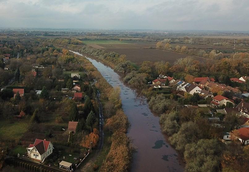 Szeged pöcegödre Mészáros testvéréhez került