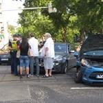 Két autó ütközött Újpesten