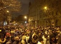 Számot nem tudunk mondani, de mutatjuk: ennyien tüntetnek a túlóratörvény ellen
