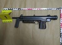 Kisebb fegyverarzenált talált a TEK egy biatorbágyi házban