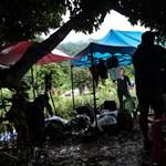 Már 12 fiatalt mentettek ki a thai barlangból